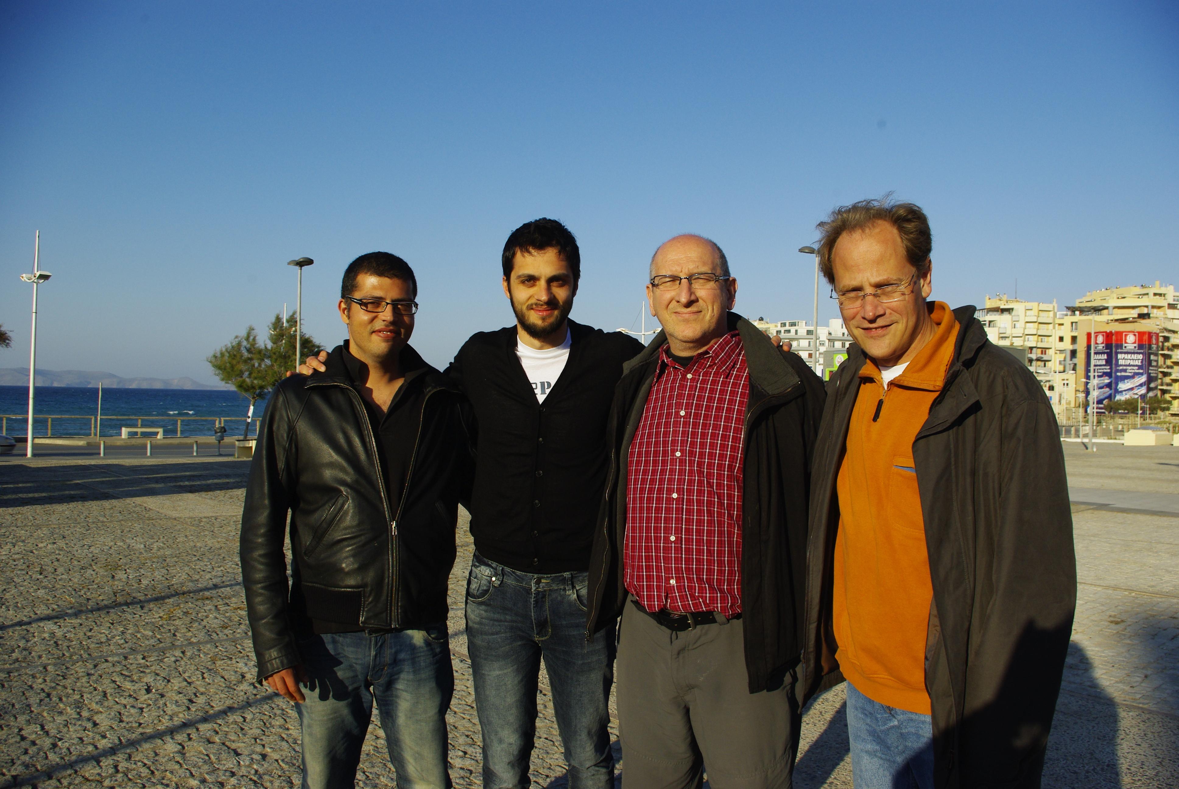 Από αριστερά, Γιώργος Δαφέρμος, Βασίλης Κωστάκης, Michel Bauwens και Γιώργος Παπανικολάου κατα τη διάρκεια του 1ου Φεστιβάλ των Κοινών το 2013 στο Ηράκλειο